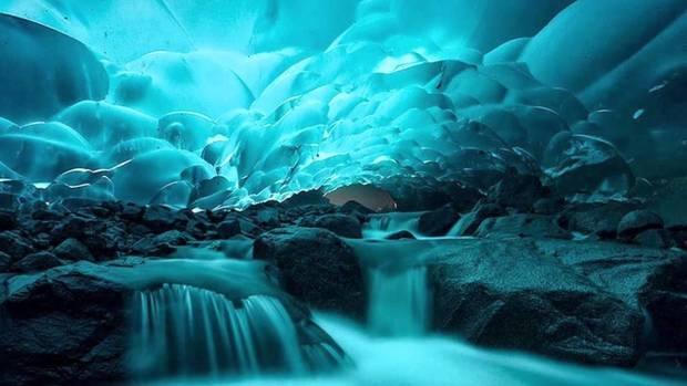 Lugares curiosos Las cuevas de hielo bajo Mendenhall Glacier