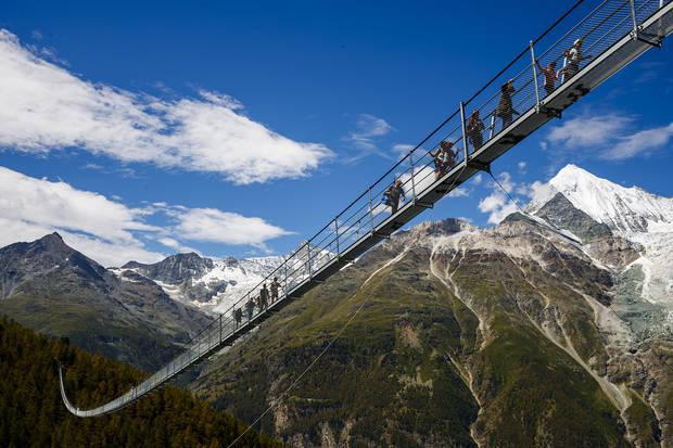 Lugares curiosos puente colgante