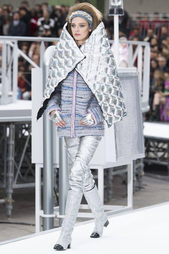 moda espacial desfile chanel