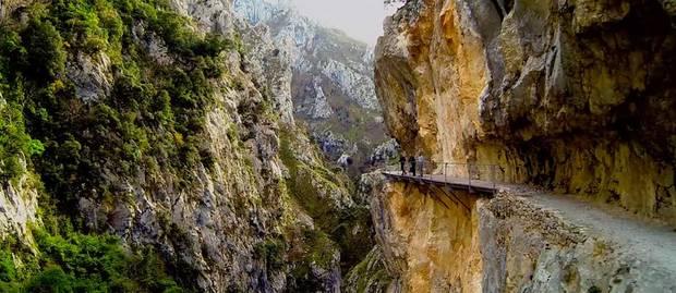 puente ruta de cares