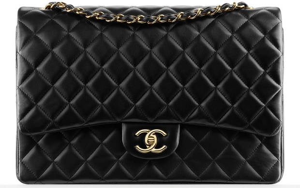 El 2.55 de Chanel, el modelo de bolso más emblemático de la maison, nació en febrero de 1995, de ahí su nombre. La diseñadora lo creó para liberar a las mujeres del uso de los bolsos de mano inspirándose en las bolsas que llevan los soldados