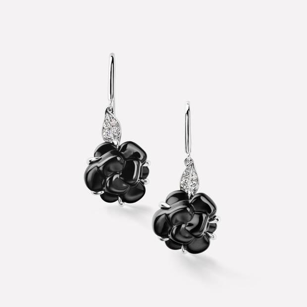 pendientes de flores Chanel