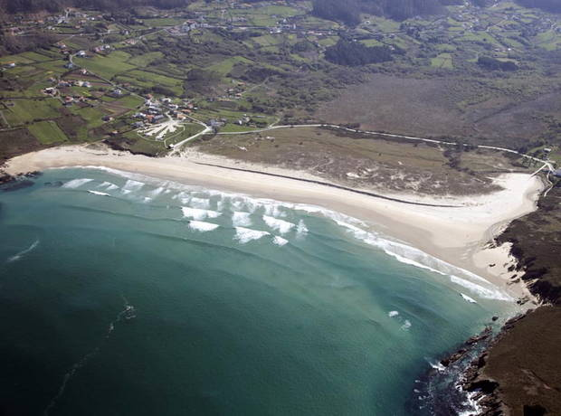 modo-surf-3-mecas-este-deporte-espana-playa-pantin-valdovino-galicia
