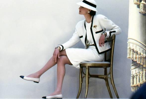 0792cf999 Así han evolucionado las bailarinas Chanel a lo largo de la | Vanidad