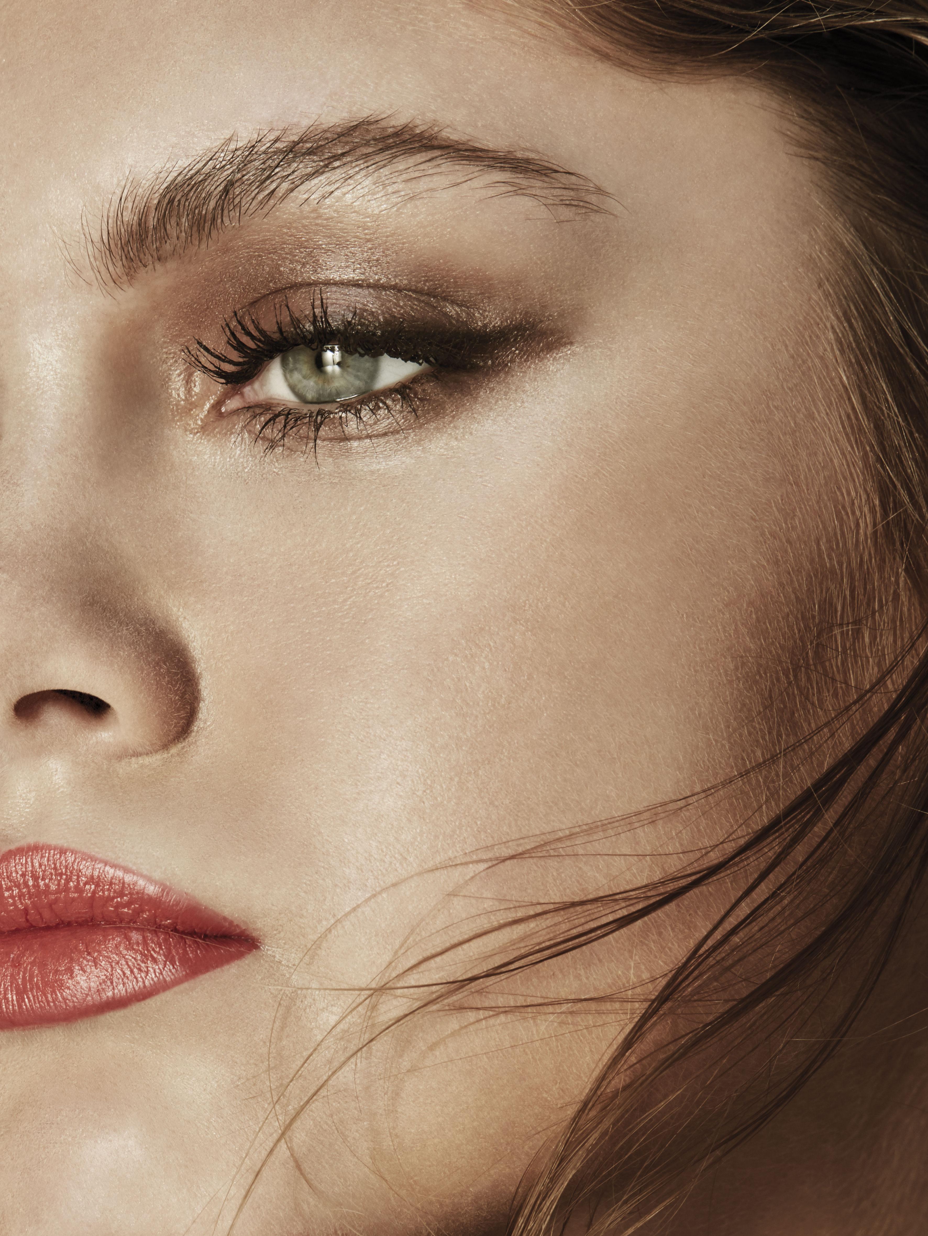 Beauty Shooting: Los colores de un viaje en la piel, cortesía de Chanel - image BEAUTY-VANIDAD-19.07.20171388-1 on https://www.vanidad.es