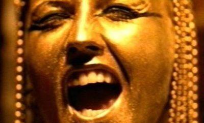 El acoso sexual, el hombre y la moda. Bruce Weber y Mario Testino, acusados - image dolores-oriordan-zombie-portada-400x242 on https://www.vanidad.es