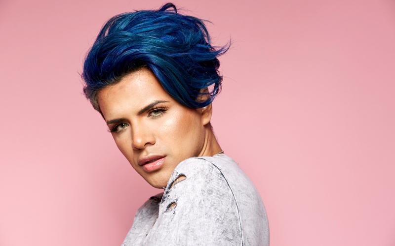 La industria de la belleza se rinde a los beauty boys - image gettyimages-545750898 on https://www.vanidad.es