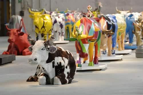 meninas cow parade