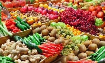 Maquillaje de Karl Lagerfeld y otras colaboraciones beauty que vas a adorar - image mercados-frutas-verduras-portada-400x242 on https://www.vanidad.es