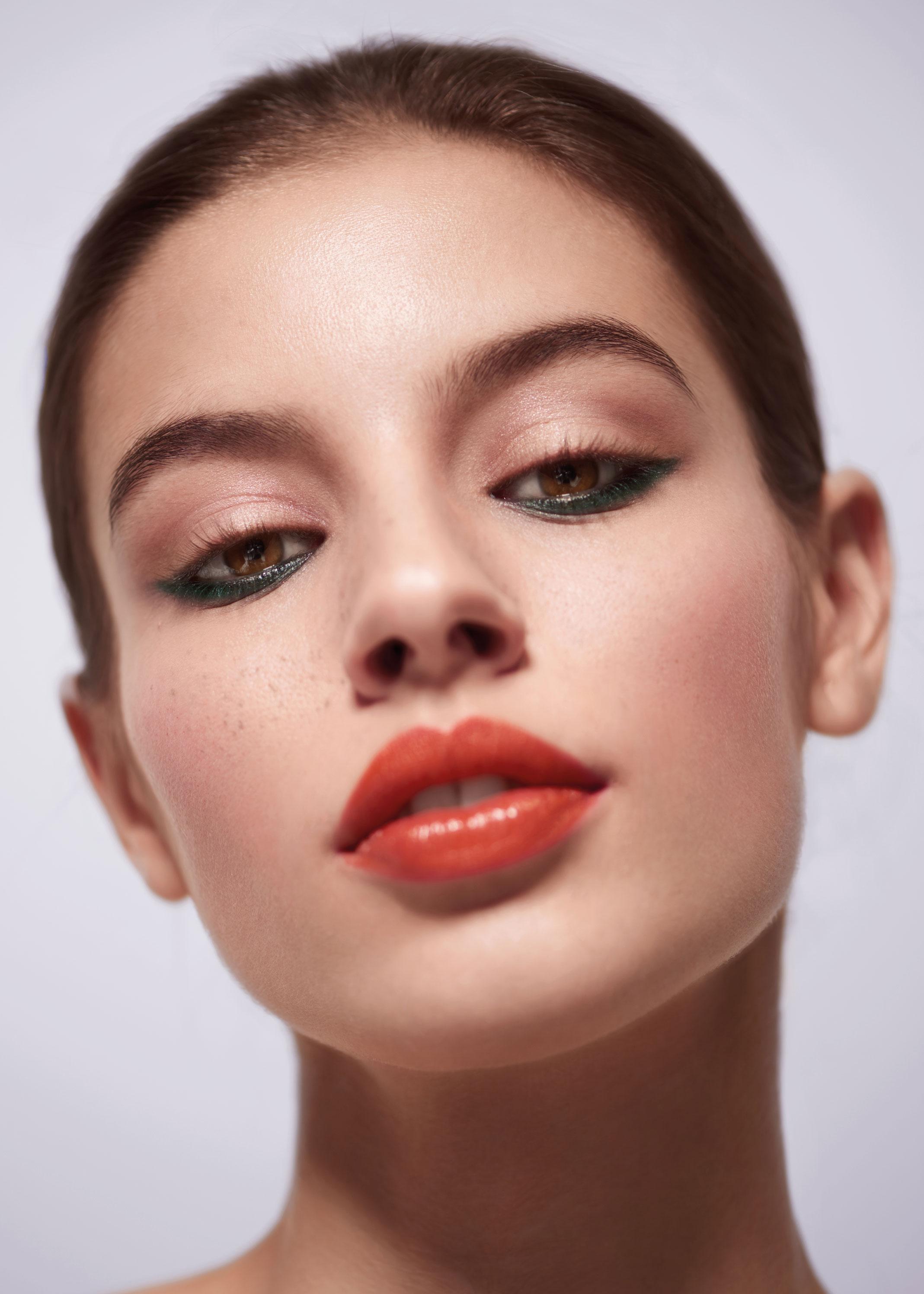 Beauty Shooting: El verano napolitano de Chanel - image 4 on https://www.vanidad.es
