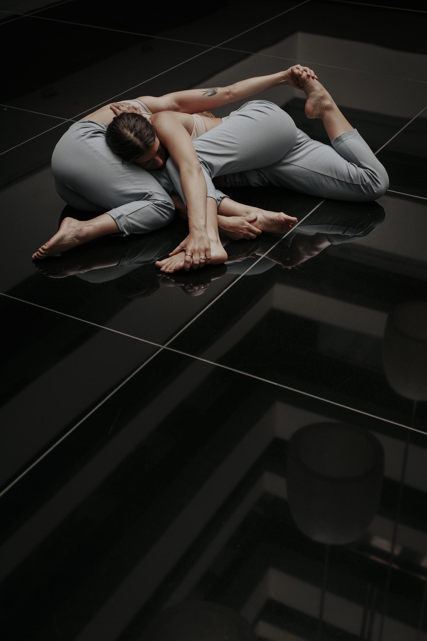 LOOK AT THINGS DIFFERENT. Carla y Sandra llegan para revolucionar la danza - image  on https://www.vanidad.es