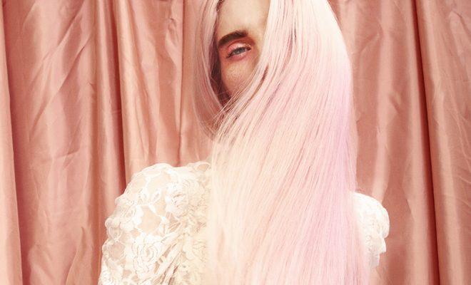 La de David Delfín y otras causas del mundo de la moda - image pink-pelo-cabecera-660x400 on https://www.vanidad.es